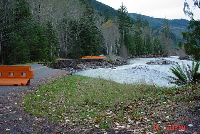Carbon River closes road outside of park