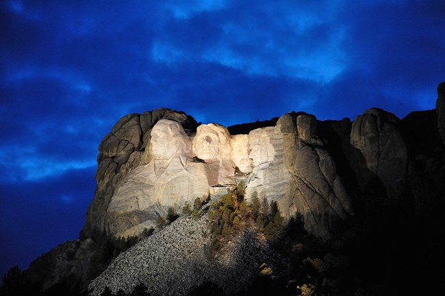 Mount Rushmore illuminated using the light system in place from 1998 until 2014.