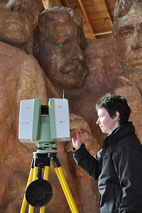 Maureen Young with Historic Scotland scans Borglum's historic model in the Sculptor's Studio.