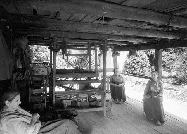 Appalachian Mountain Furniture Baskets And Coverlets From The Walker Sisters 39 Cabin