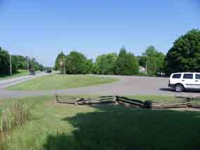 Jackson Street Trailhead provides parking for horse trailers and cars alike.