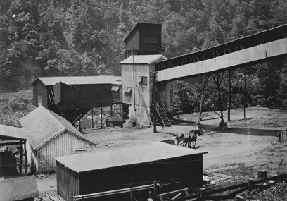 coal conveyor and tipple