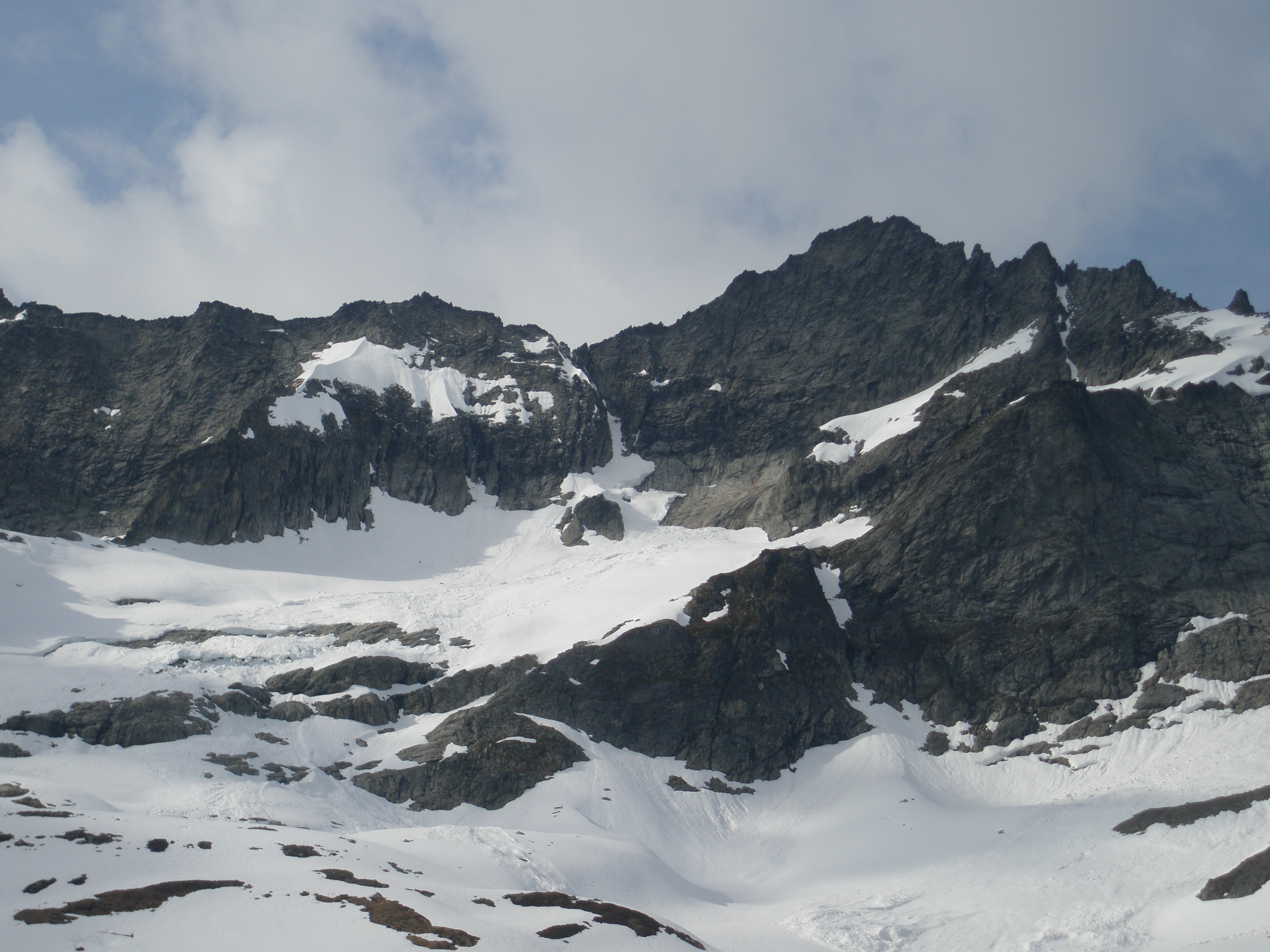 Photo of Forbidden Peak from the south, showing the West Ridge Coulior
