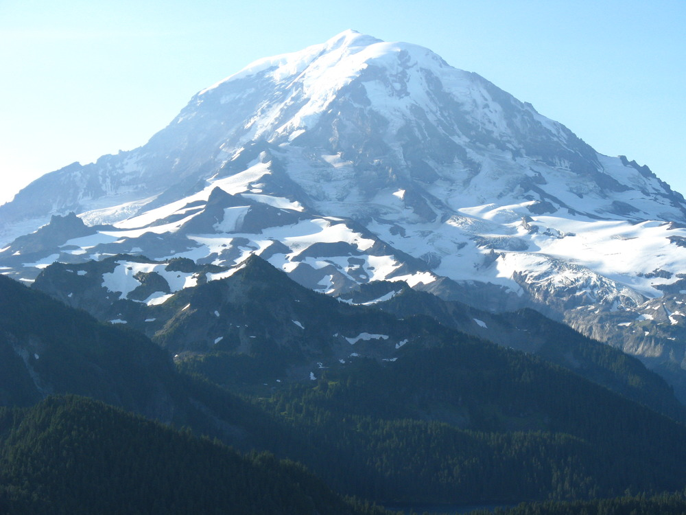 View from Lake Eunice Lookout in Mt Rainier National Park 2traveldads.com