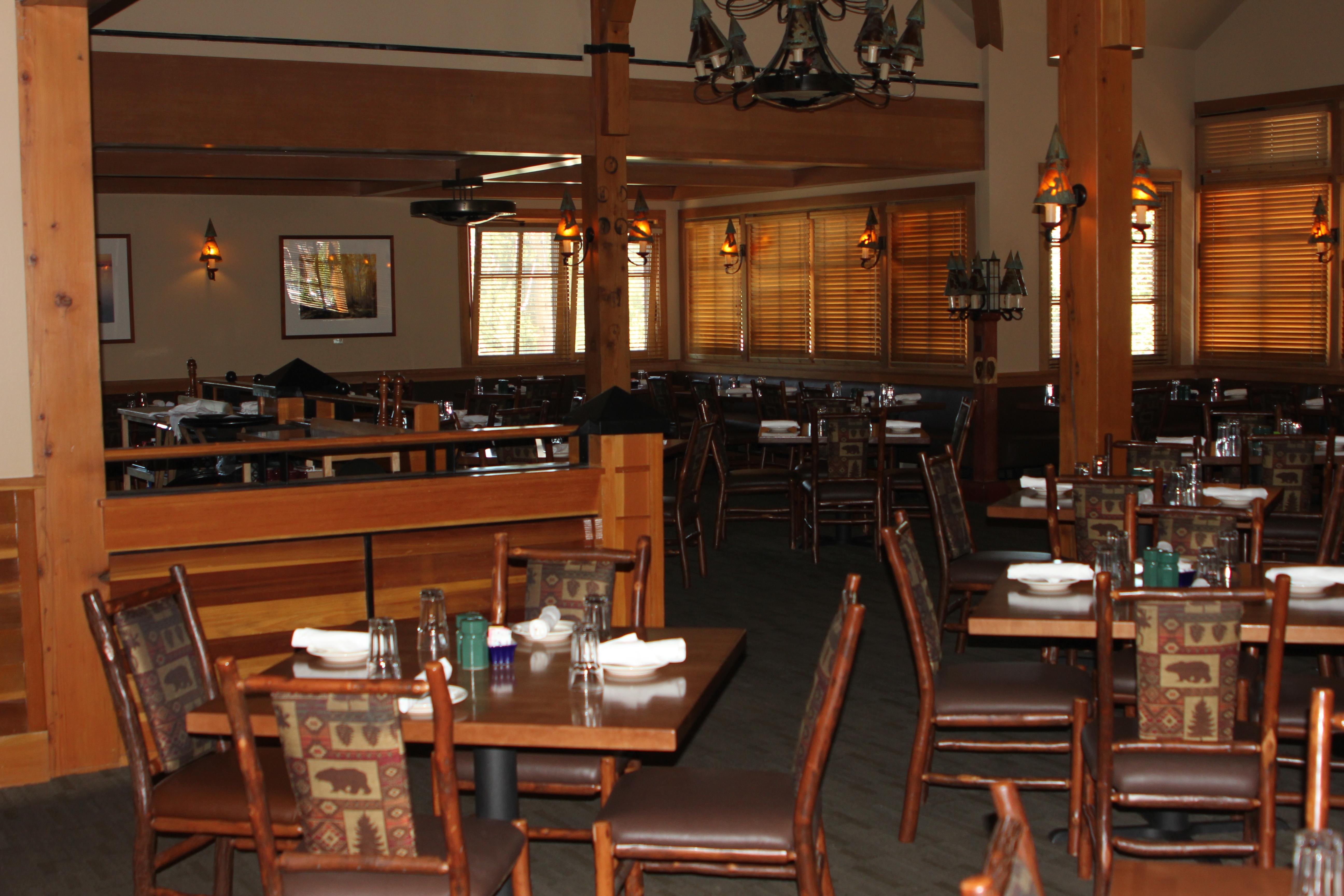 Beau Old Faithful Snow Lodge, Dinin.