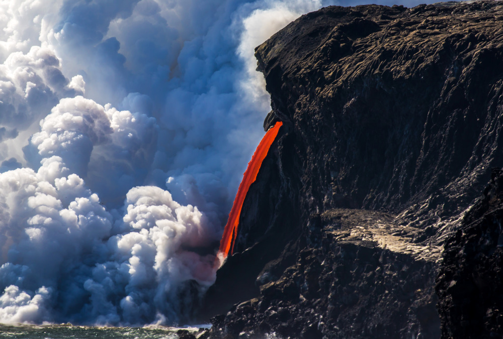 Zoomed photo of the Kamokuna ocean entry lava flow