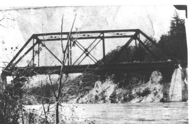 Old bridge photo (1)