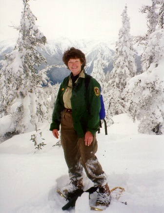 Volunteer snowshoer