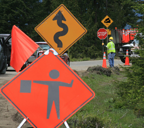 construction signs along roadside