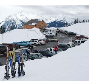 Hurricane Ridge parking area in winter.