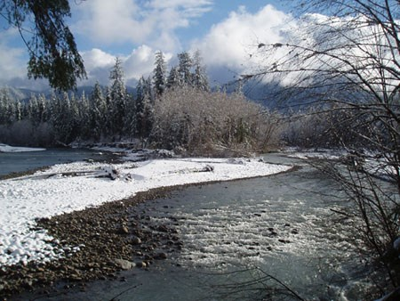 Winter descends upon the Queets River.