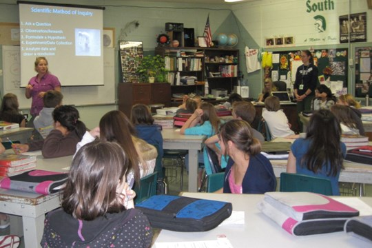 An Outdoor Educator from SFI Presents the Watershed Program to a Local Middle School.