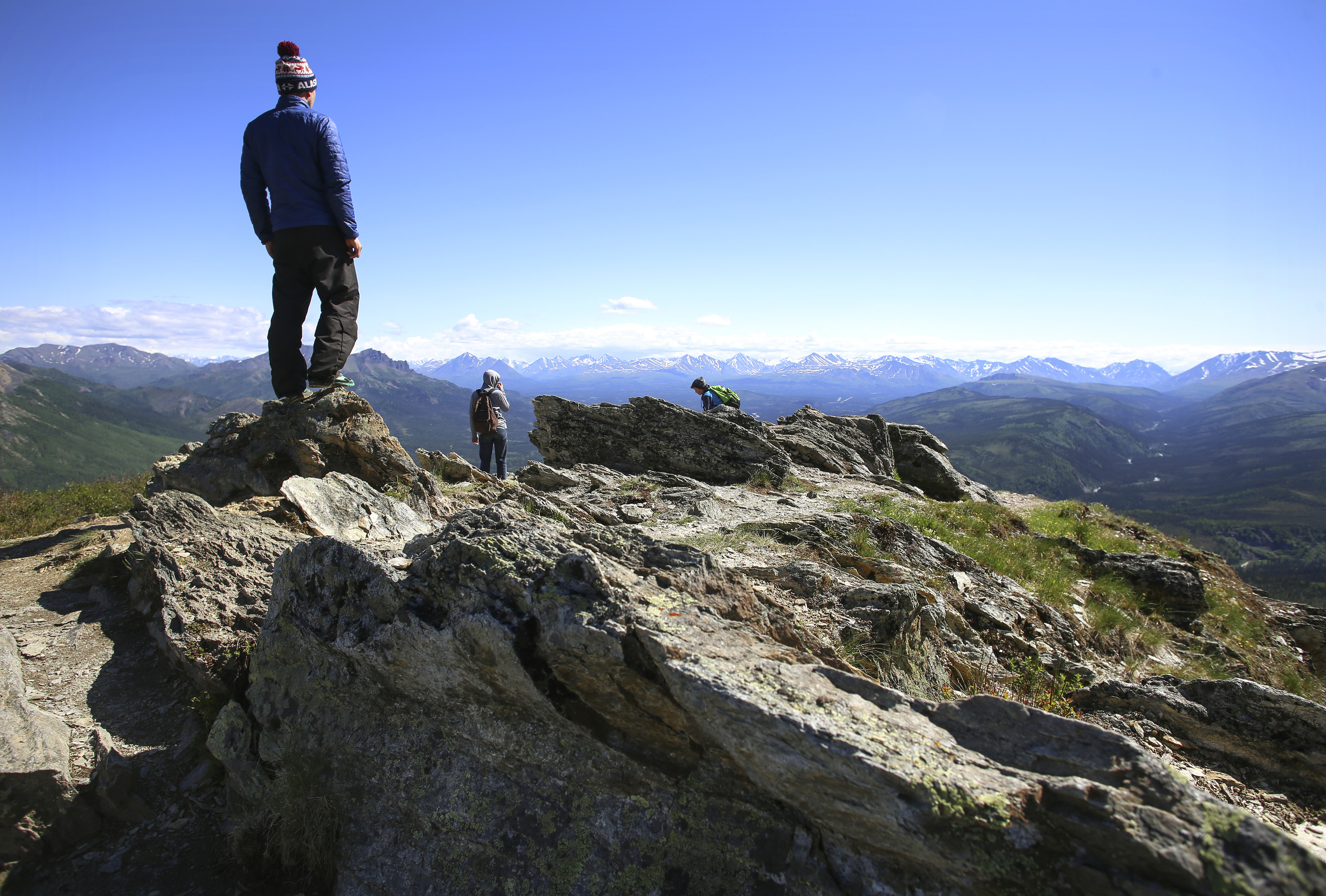 Visitors at the overlook on Mount Healy Trail and Denali National Park.