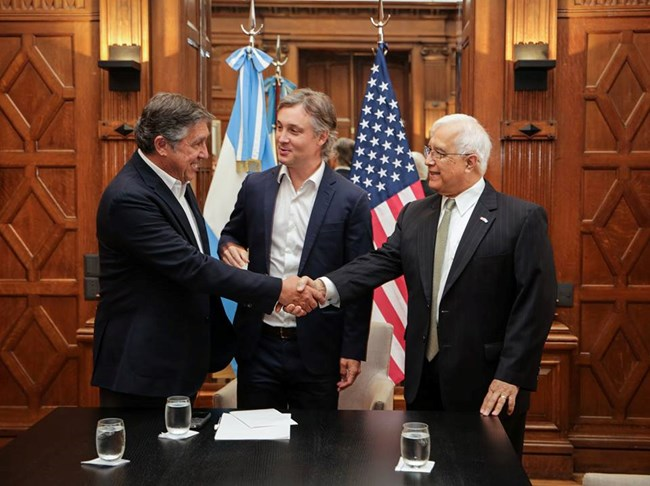An image of the MOU signing between Argentina and the NPS.