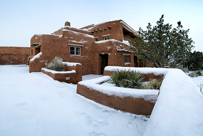 Painted Desert Inn in Snow