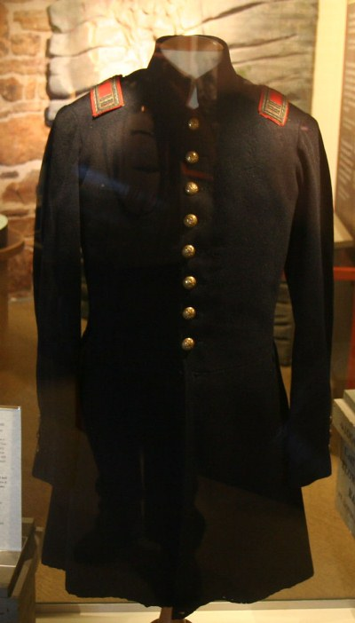 Union Artillery frock coat belonging to Lt. William B. Chapman of the 2nd Ohio Light Artillery.