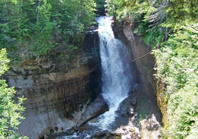 Miners Falls drops 50 feet over the sandstone outcrop.