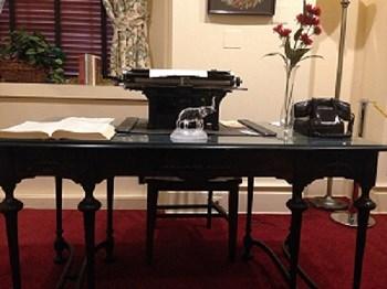Bethunes Work Desk