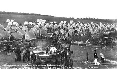 Iowa troops awaiting deployment in Spanish American War, 1898