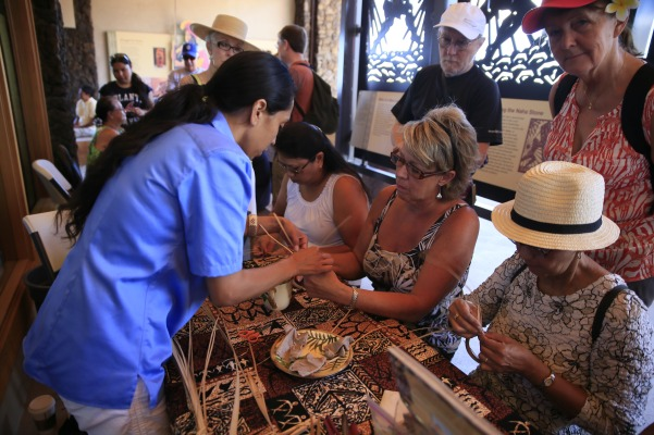 Join a cultural demonstrator to learn a Hawaiian craft!