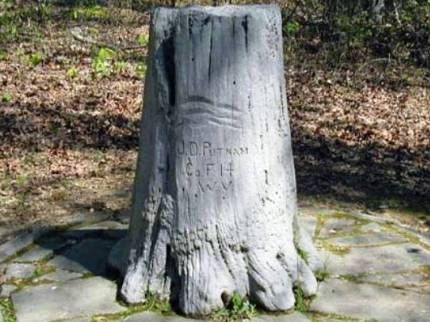 Modern photo of the Putnam Stump Monument