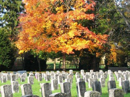Photo of Antietam National Cemetery in the fall