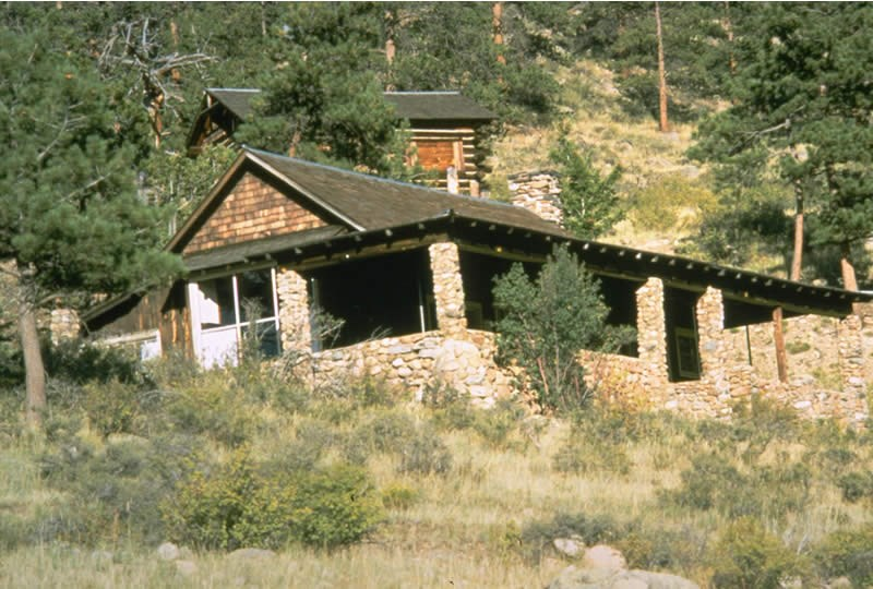 a photo of the William Allen White cabin