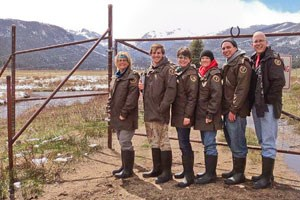 Picture of elk fence volunteers