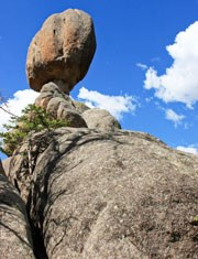 Balanced rock and round rocks