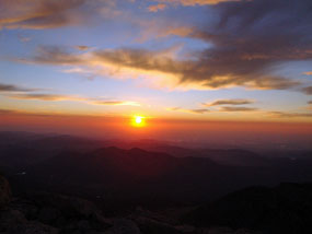 Sunrise from the top of Longs Peak
