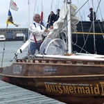 Kenichi Horie on the Malt's Mermaid III, arriving in San Francisco in 2002.