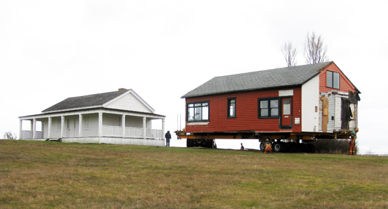 Brown House house on wheels_3