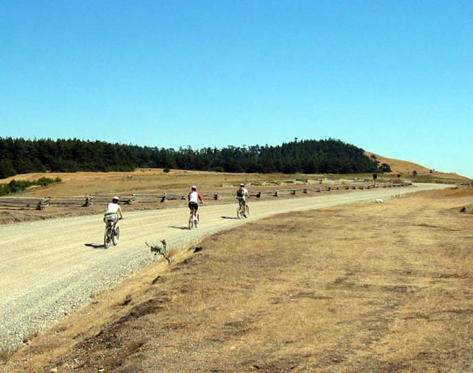 cyclists_redoubt_road