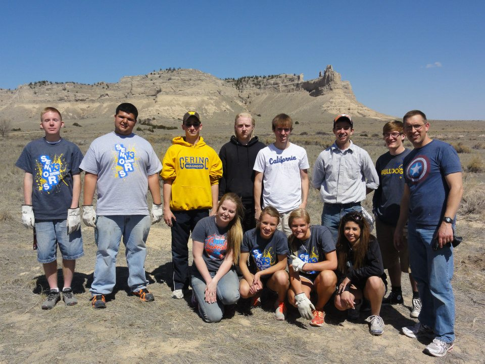 Gering High School students volunteering for a park clean up day.