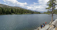 Picnicking, boating, and camping are available at Hume Lake.