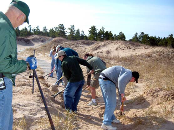 Volunteers participate in the Great American Cleanup at Sleeping Bear Dunes National Lakeshore.