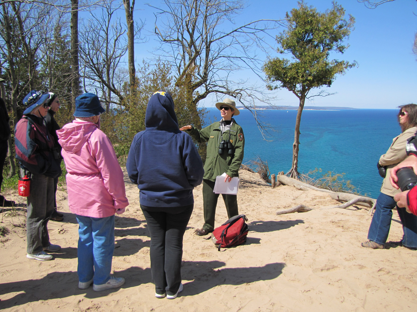 Park-Rangers-Offer-Free-Hikes_web