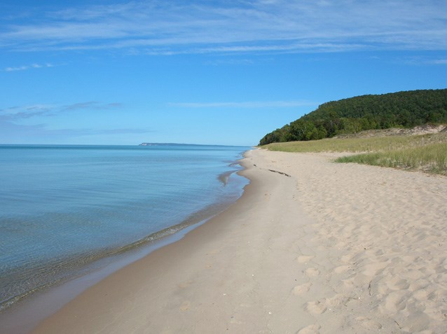 Sunshine Warm Weather And Beautiful Clear Water Are A Recipe For Beach Activities Sleeping Bear Dunes National Lakes Has Lot Of Pristine