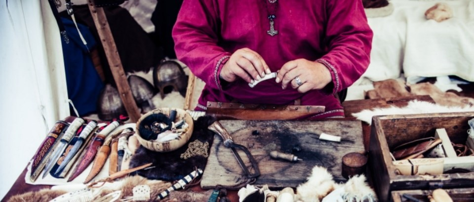 native american making crafts