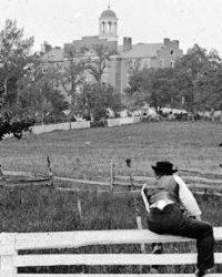 of Gettysburg resident looking at Lutheran Theological Seminary.