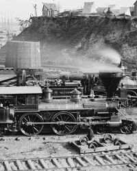 Photo of a locomotive and the Union supply base at City Point.