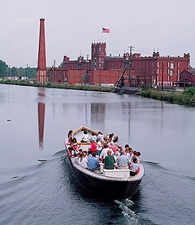 Visitors on a sightseeing tour along the Augusta Canal