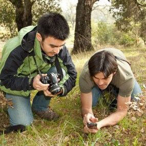 iNaturalist APP Developers demonstrate how to capture plant observations using the iNaturalist APP.