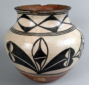 Jar from Santo Domingo Pueblo c. 1920s