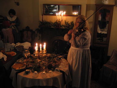 south parlor at the holiday