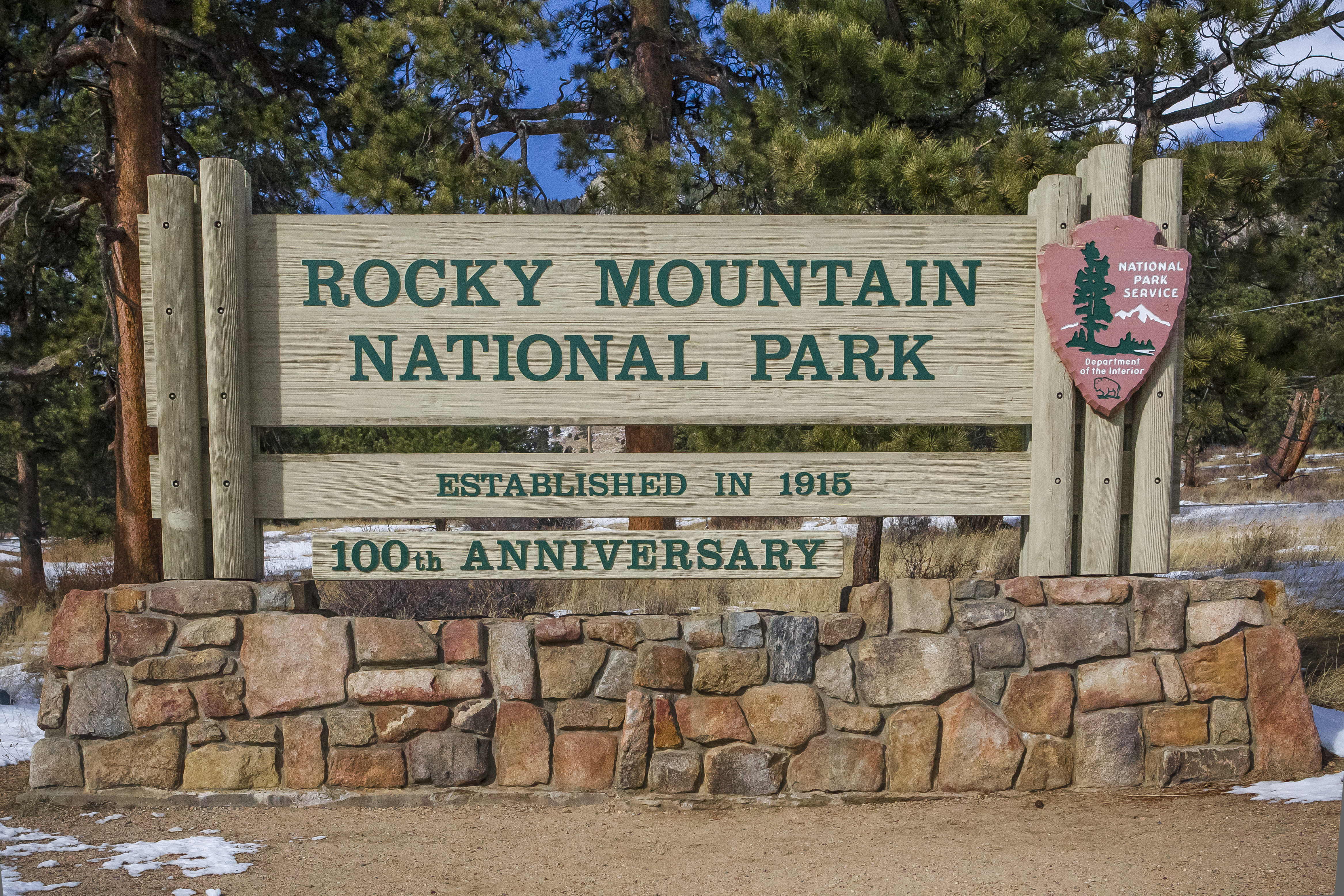 Rocky Mountain National Park welcome sign