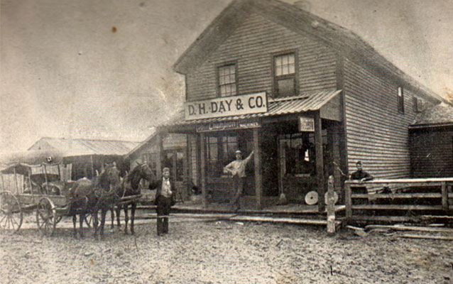 old photo of Glen Haven general store