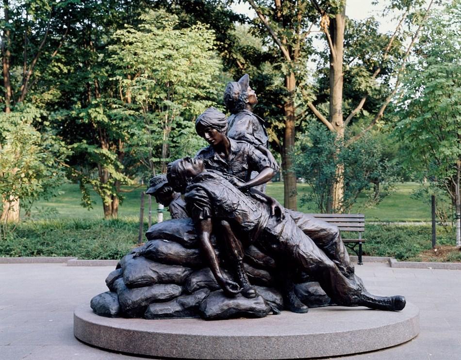 Reflect At The Vietnam Women S Memorial U S National Park Service