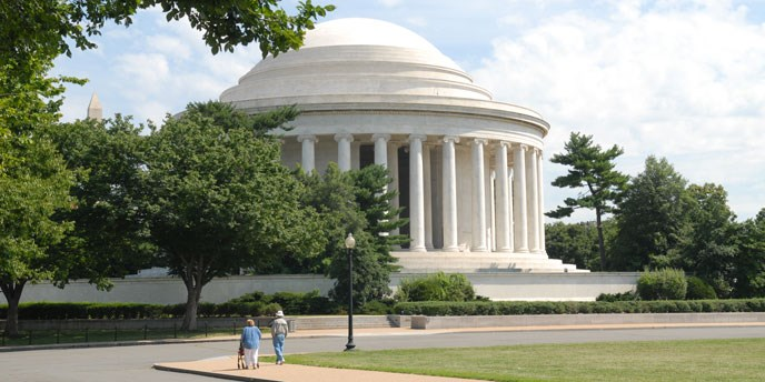Jefferson Memorial surrounded by greenery