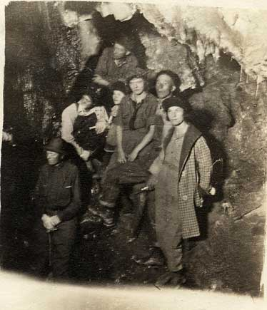Black and white photo of the Payson Alpine Club in Timpanogos Cave.